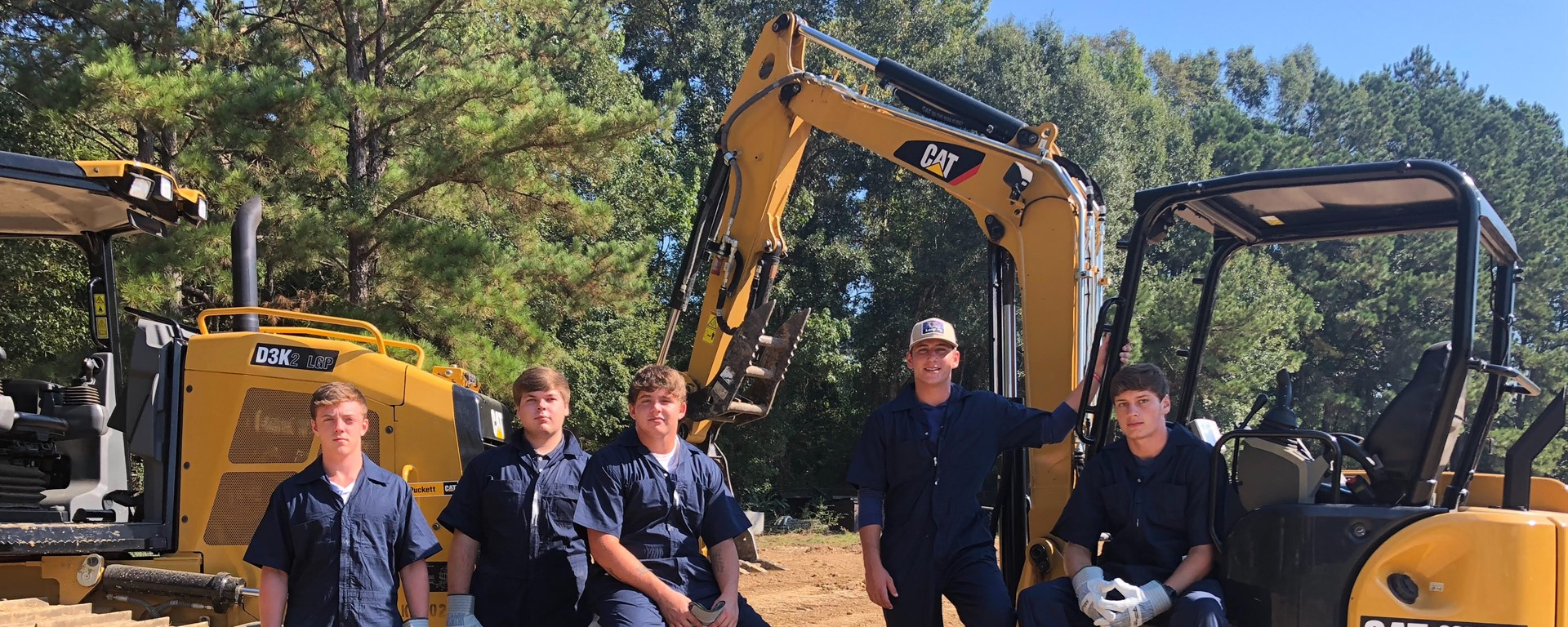 18-19 Heavy Equipment Operations II Students